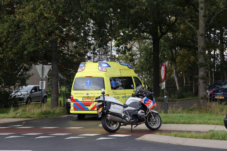 Fietser geschept door automobilist op de kruising Nijewei met de Tjoele bij Gorredijk
