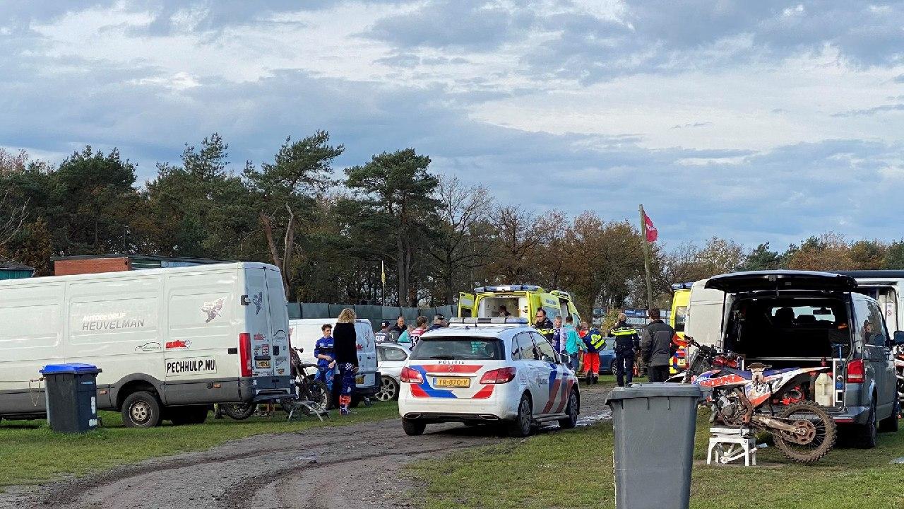 Traumahelikopter ingezet bij val motorcrosser op de circuit van MSV Prikkedam in Makkinga