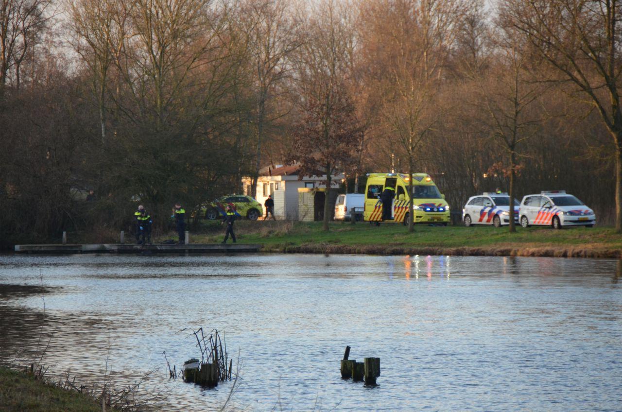 Persoon ernstig gewond uit water gehaald bij Camping de Kleine Wielen in Leeuwarden