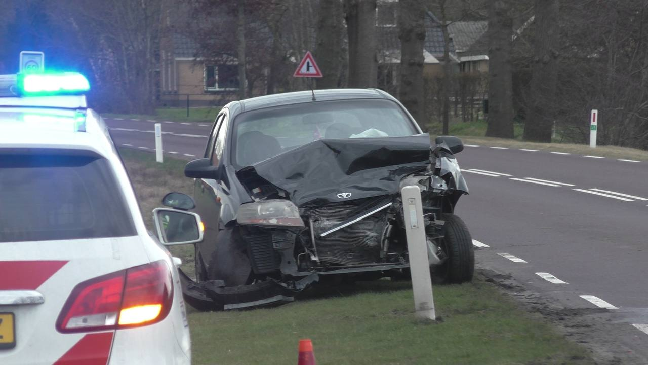 Bestuurder gewond na een aanrijding op de Tonckenweg N919 hij Haule