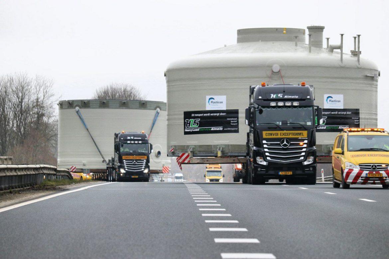 Twee Grote Silo's vanaf Drachten naar Emmtec in Emmen gebracht via Transport